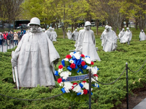 2017-04-06-EWSIS-WashingtonDCTrip-WreathLaying-68.jpg